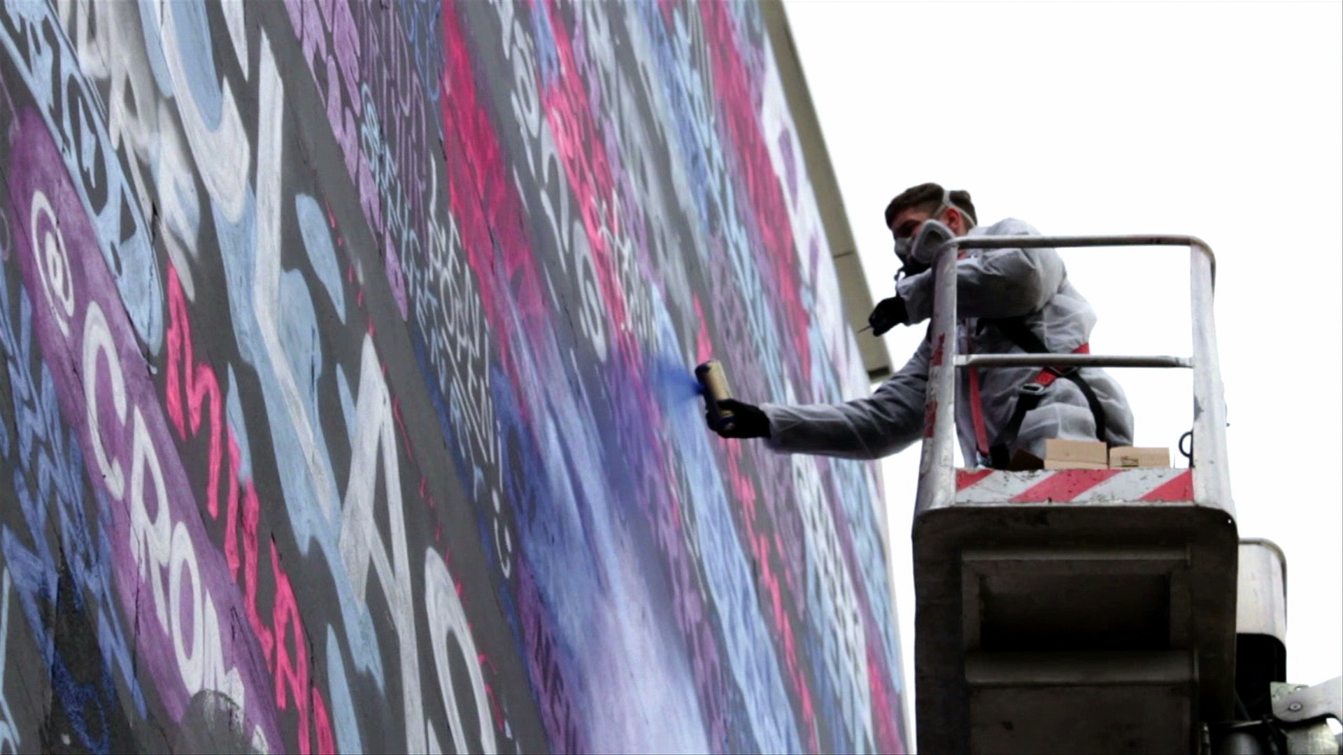 EDITUDE PICTURES Converse: Clash Wall Berlin 2014