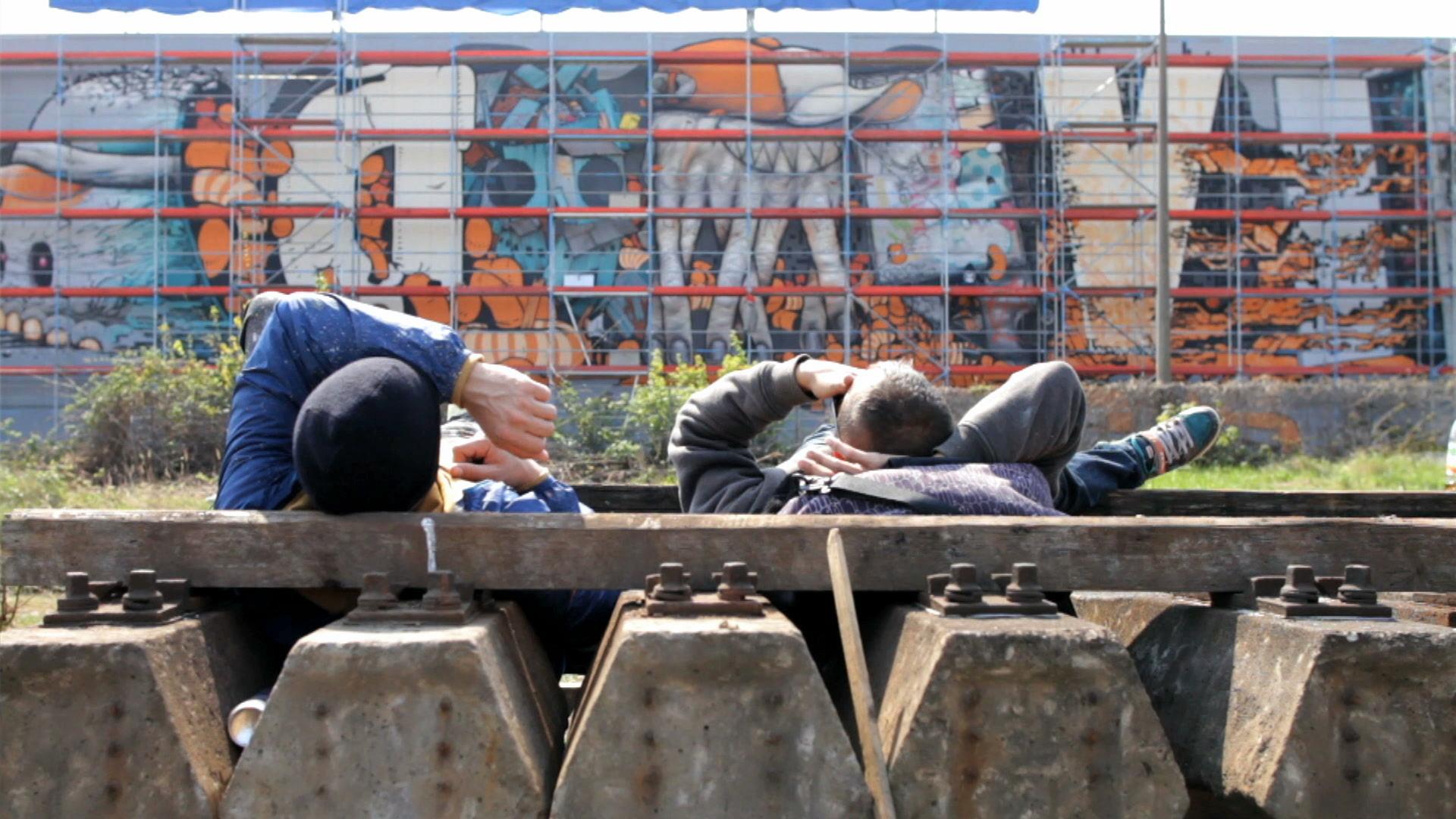 EDITUDE PICTURES Da Mental Vaporz: The Wall