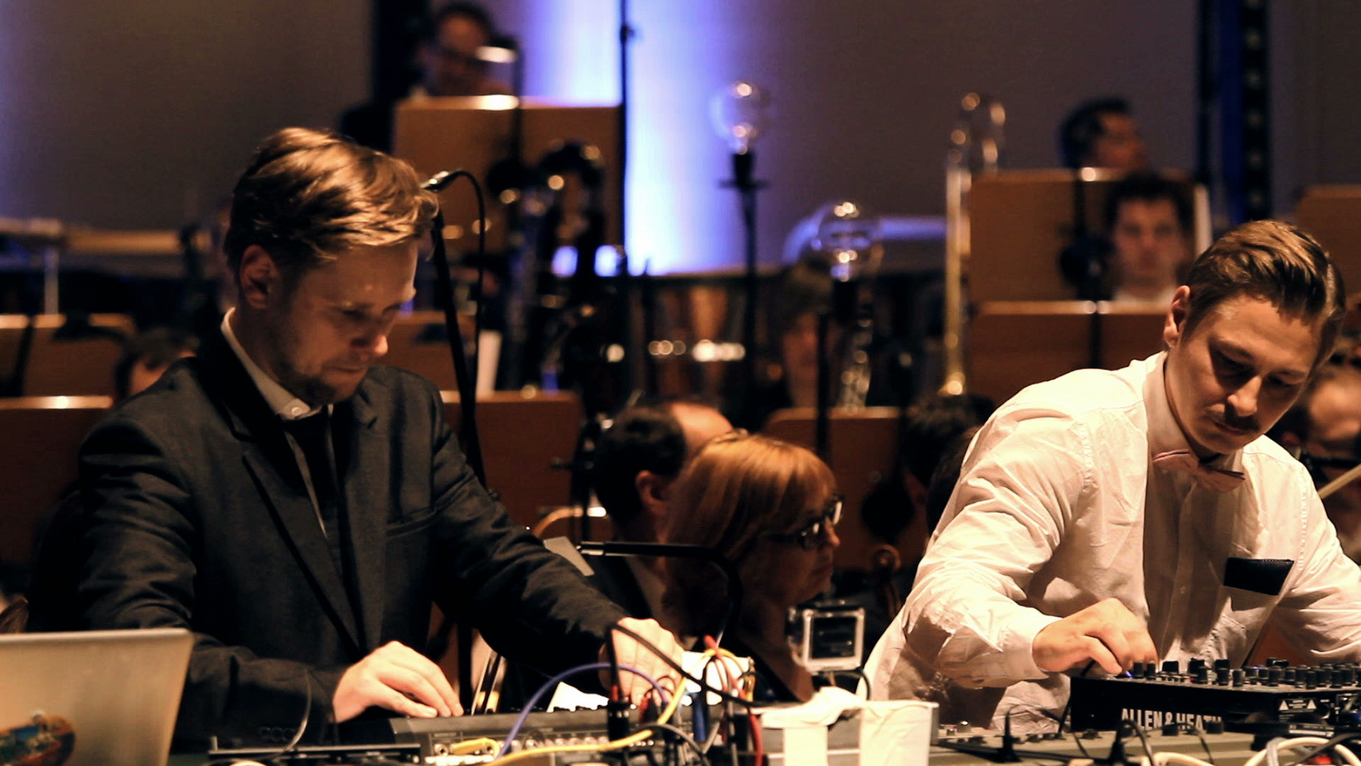 EDITUDE PICTURES Super Flu & Dortmunder Philharmoniker: Volkwein (live)